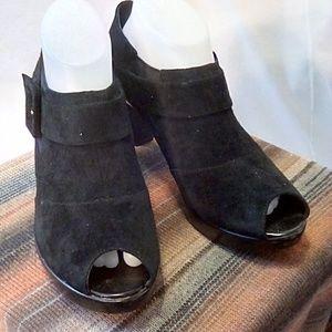 Bella Vita Size 9.5 Black Suede Peep Toe Booties